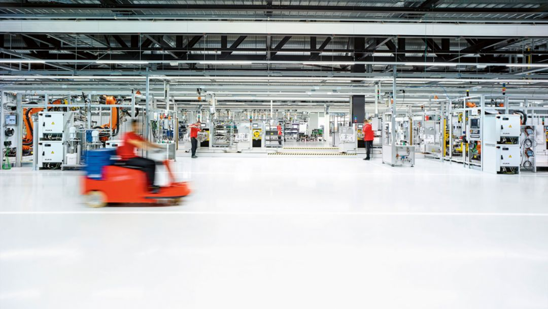New engine plant, Zuffenhausen, 2016, Porsche AG