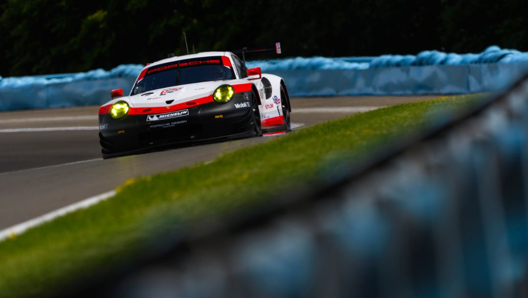 911 RSR take on Canada's oldest racetrack