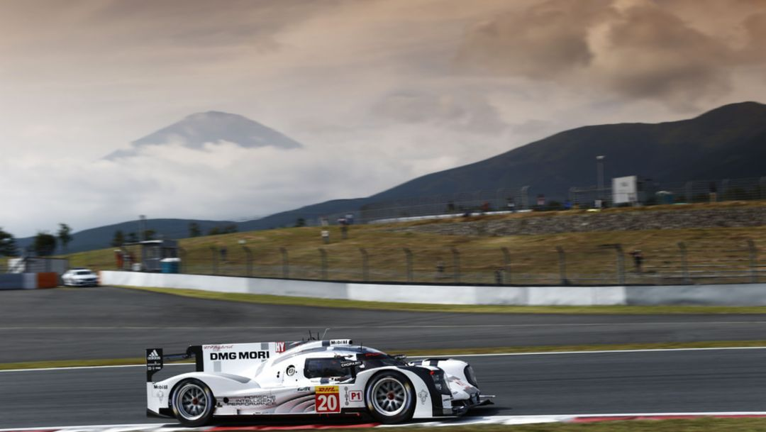 Top speed at the foot of Mount Fuji
