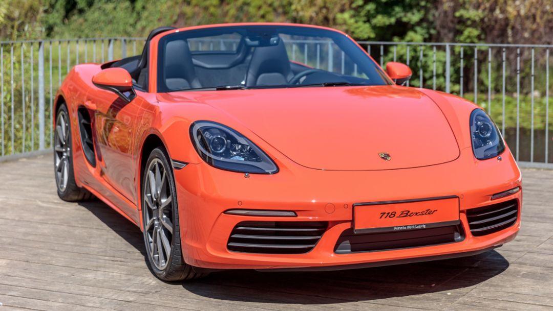 Opernball: Porsche verlost 718 Boxster