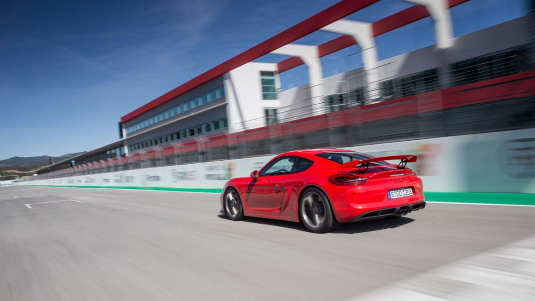 Onto the racetrack with the Cayman GT4