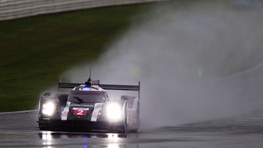 Second row for the Porsche 919 Hybrids