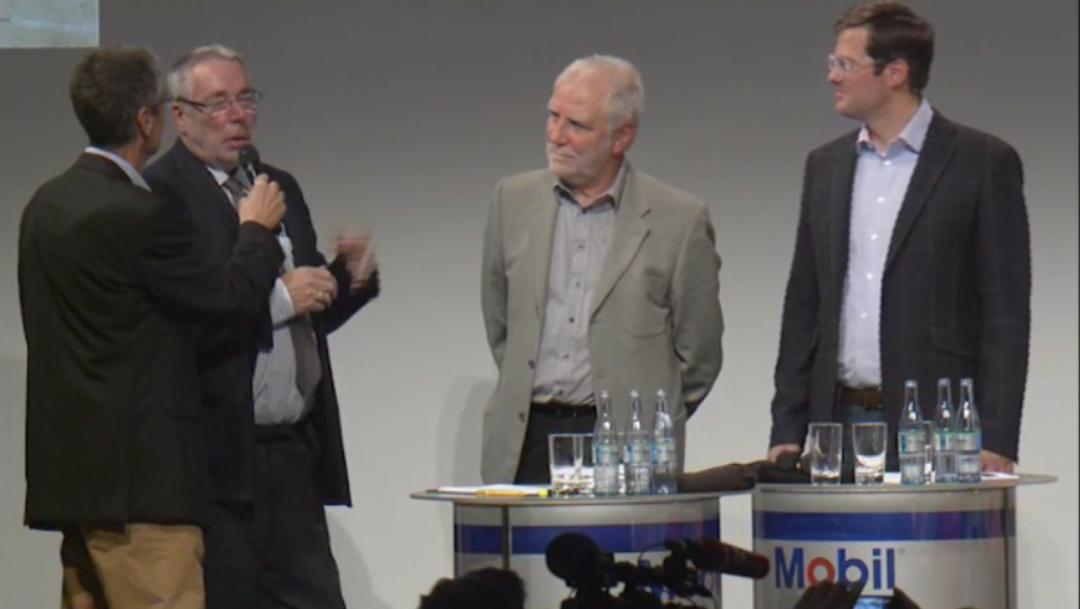 Jürgen Barth Roland Kussmaul, ehemalige Rennfahrer, Dieter Landenberger, Leiter historisches Archiv, l.-r., Sound Nacht, Porsche-Museum, 2014, Porsche AG