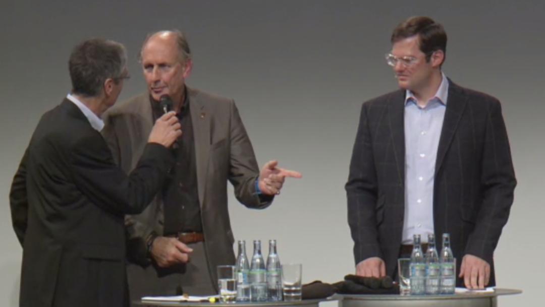 Hans-Joachim Stuck, ehemaliger Rennfahrer, Dieter Landenberger, Leiter historisches Archiv, l.-r., Porsche Sound Nacht, Porsche-Museum, 2014, Porsche AG