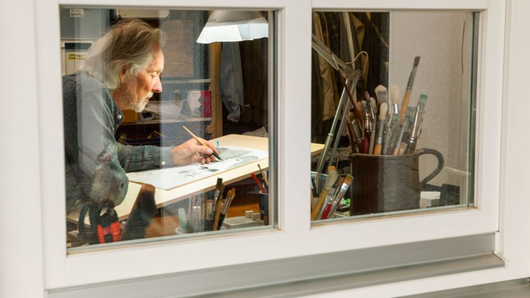 Klaus Voormann in seinem Atelier, 2016, Porsche AG