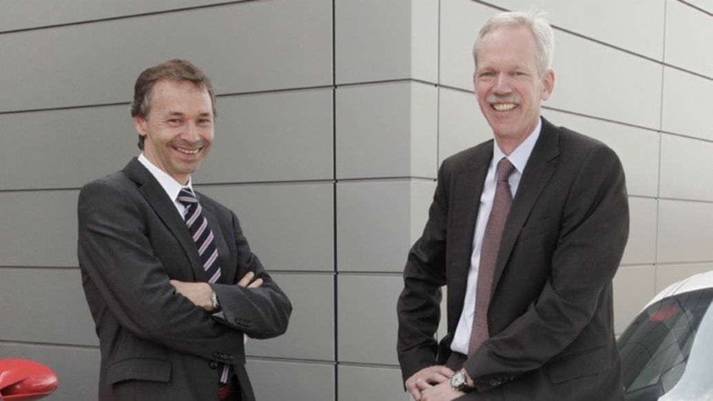 August Achleitner, then-Vice President Product Line Carrera, Hans-Jürgen Wöhler, then-Vice President Product Line Boxster, 2009, Porsche AG