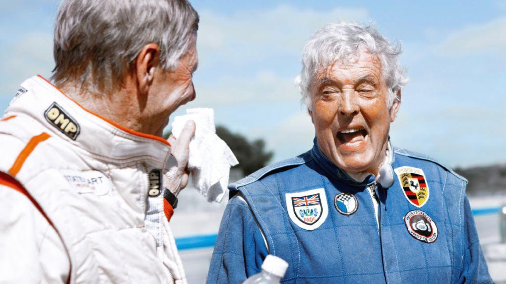 开怀大笑的赛车英雄们: