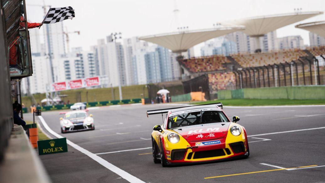范德瑞(Chris van der Drift)成为亚洲保时捷卡雷拉杯史上首位获得三次年度总冠军的车手。