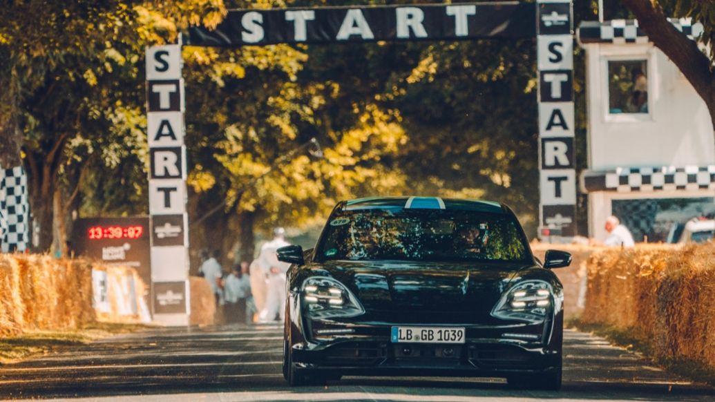Taycan, Goodwood Motor Circuit, 2019, Porsche AG