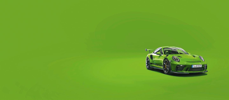 Порше зеленого цвета