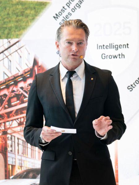 Matthias Becker, Leiter Region Übersee und Wachstumsmärkte bei der Porsche AG, Porsche Studio Cheongdam, Seoul, 2019, Porsche AG