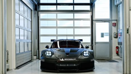 Successor to the 911 RSR enters test phase