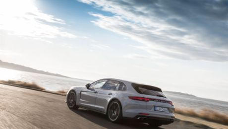Best sports car: Panamera Turbo Sport Turismo