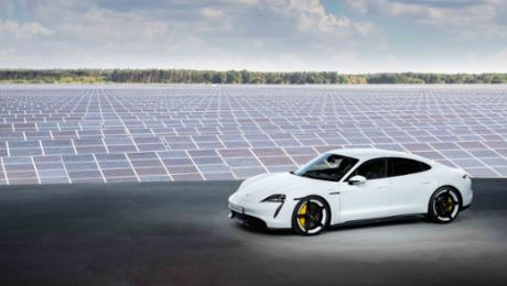 World premiere of the Porsche Taycan: Sports car, sustainably redesigned