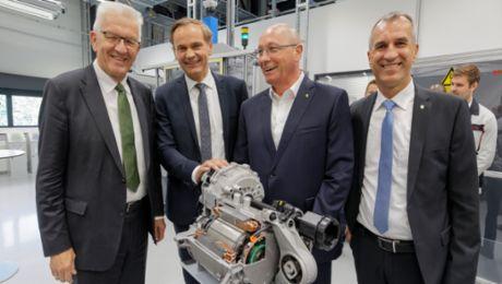 Winfried Kretschmann pays a visit to Porsche headquarters