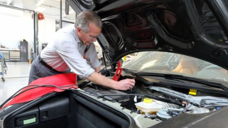Faithful Service: Half a Century as a Porsche Mechanic