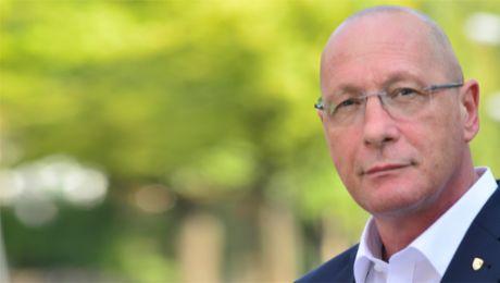 Betriebsratschef erhält Verdienstkreuz