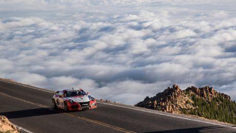 """Porsche beim """"Race to the Clouds"""": Eine Klasse für sich"""