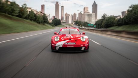 Highlight at season final: Porsche flies Coca Cola design at Petit Le Mans