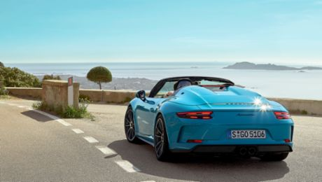 "Trip to the ""Blue Zone"" with the 911 Speedster"