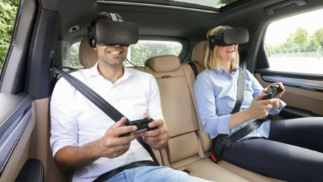 "Porsche presents VR entertainment for the back seat with ""holoride"""