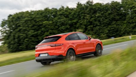 Half-year results 2019: Porsche increases sales revenue by nine per cent