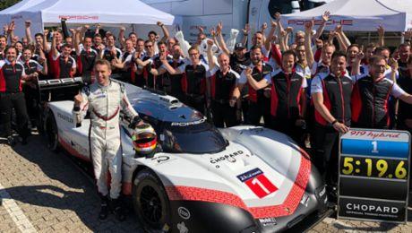 5:19,55 Minuten – Porsche 919 Hybrid Evo holt Rekord