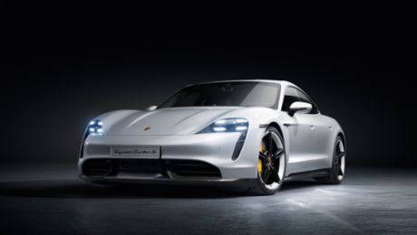 The exterior design: Puristic new design with Porsche DNA