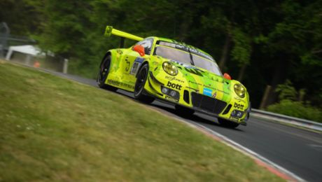 Porsche on first three grid spots at the Eifel classic