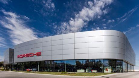 Fernando Guerra fotografía las instalaciones de Porsche Ibérica