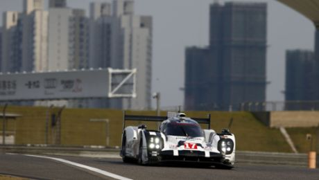 Both Porsche 919 Hybrid on front row again