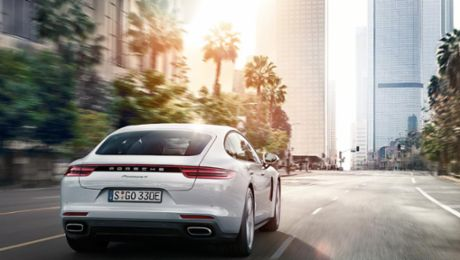 Global debut: The new Panamera 4 E-Hybrid