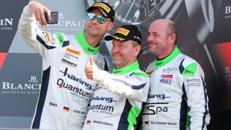 Class podium for Porsche 911 GT3 R in Great Britain