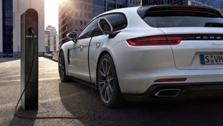 Strong demand for the Panamera with hybrid drive