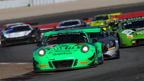 Class podium and tenth overall for the Porsche 911 GT3 R in Spain