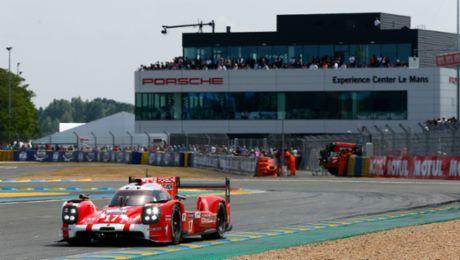 Porsche: Experience Center in Le Mans