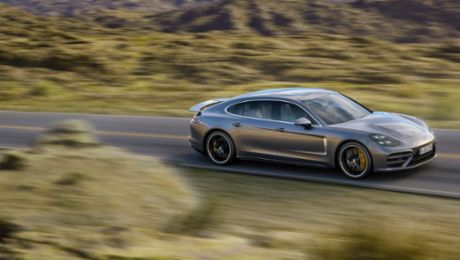 Porsche to present new Panamera models