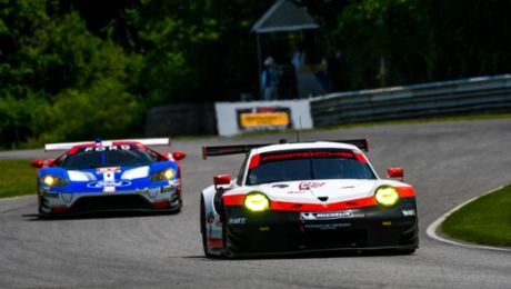 Pole position for 911 RSR