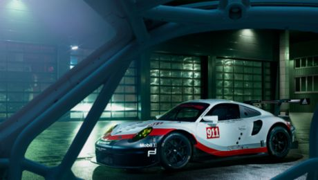 """Der Porsche-Kalender 2018: """"Race Lab"""""""