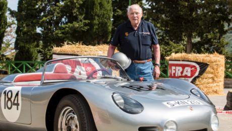 Porsche gratuliert Herbert Linge zum Geburtstag