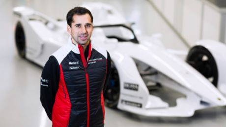 Neel Jani switching to the cockpit of a Formula E car