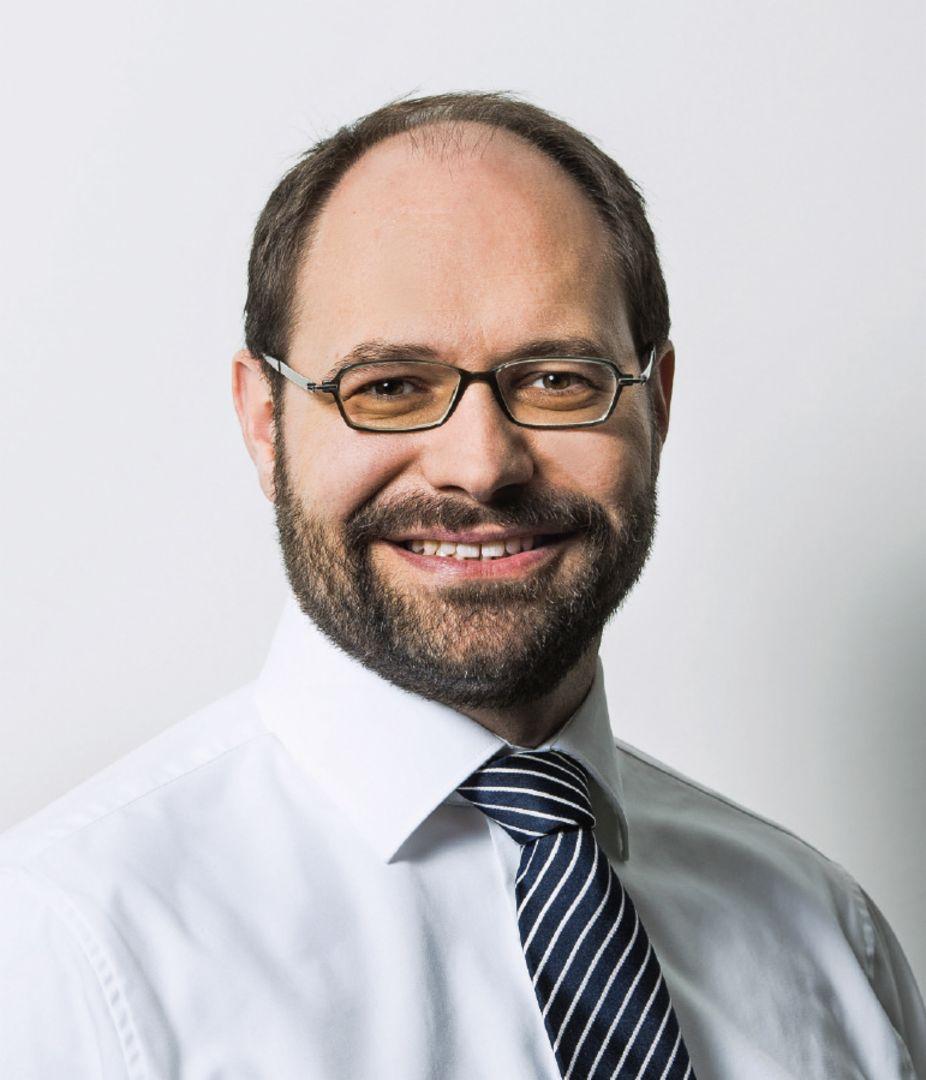 约瑟夫·阿尔维克博士(Dr. Josef Arweck)