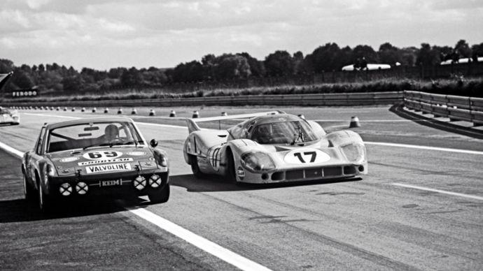 Pojedynek na torze wyścigowym