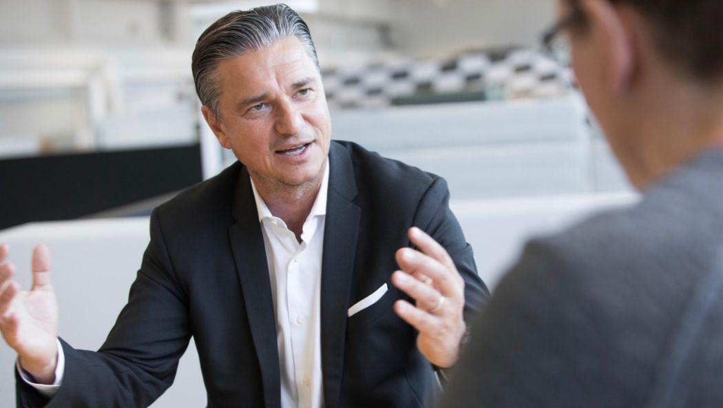 Лутц Мешке, заместитель председателя правления, член правления по вопросам финансов и информационных технологий 2018, Porsche AG