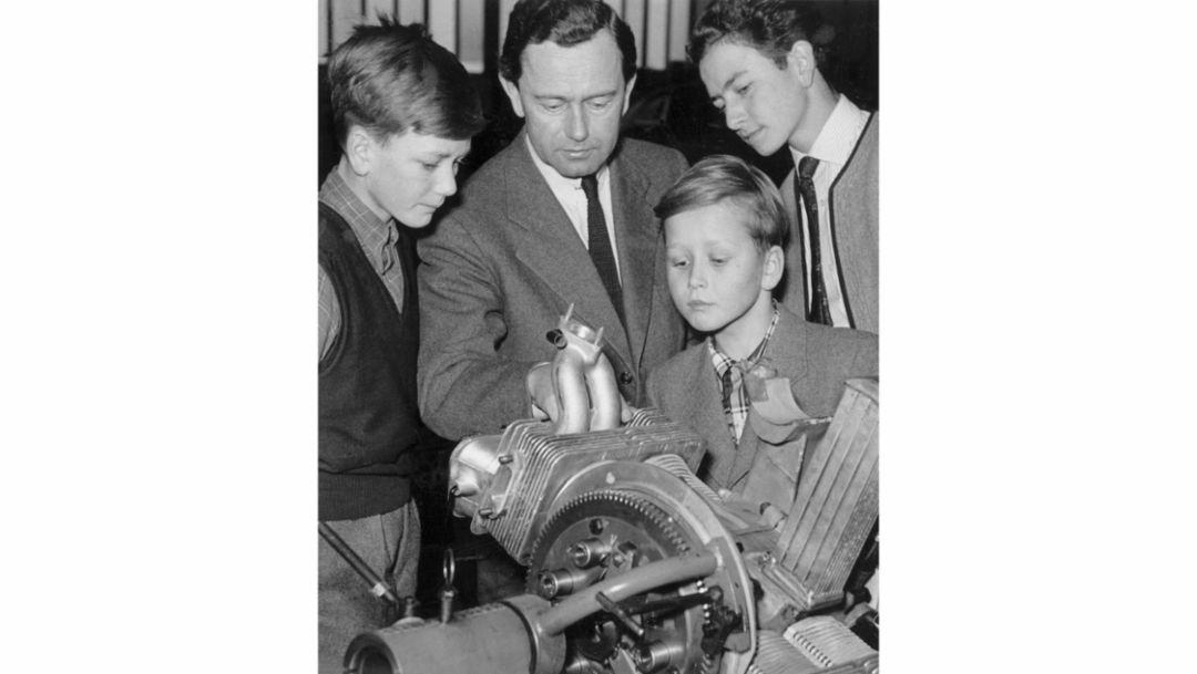 Hans Peter Porsche, Ferry Porsche, Dr. Wolfgang Porsche, Ferdinand Alexander Porsche, l-r, 1953, Porsche AG