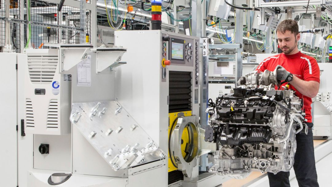 Engine plant for eight-cylinder engines, Zuffenhausen, Porsche AG