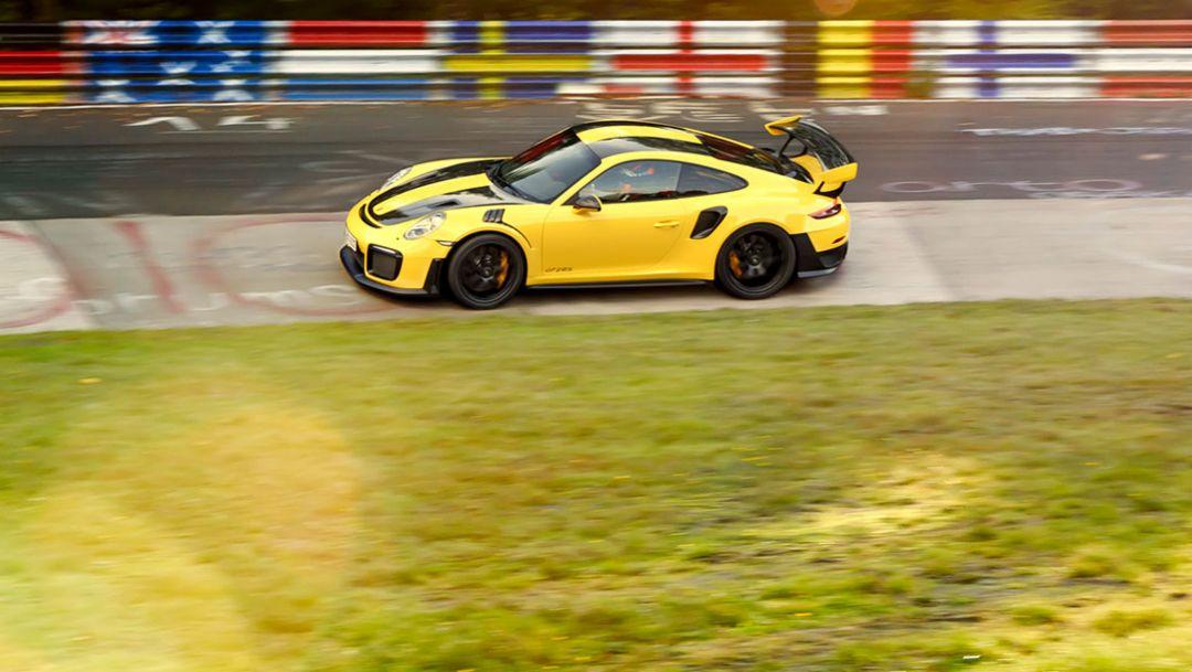 6分47.3秒 — 911 GT2 RS缔造公路跑车纽北圈速新纪录