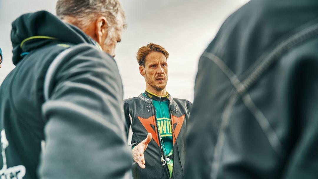 Neil Campbell, cyclist, 2018, Porsche AG