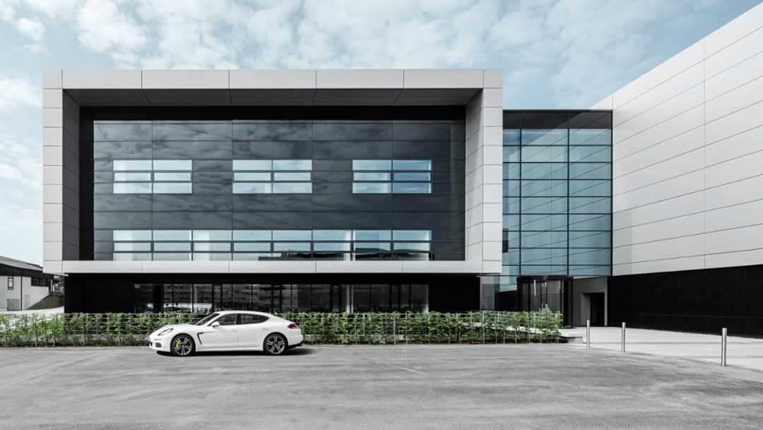 Panamera Turbo S Executive, development center, Weissach, 2014, Porsche AG