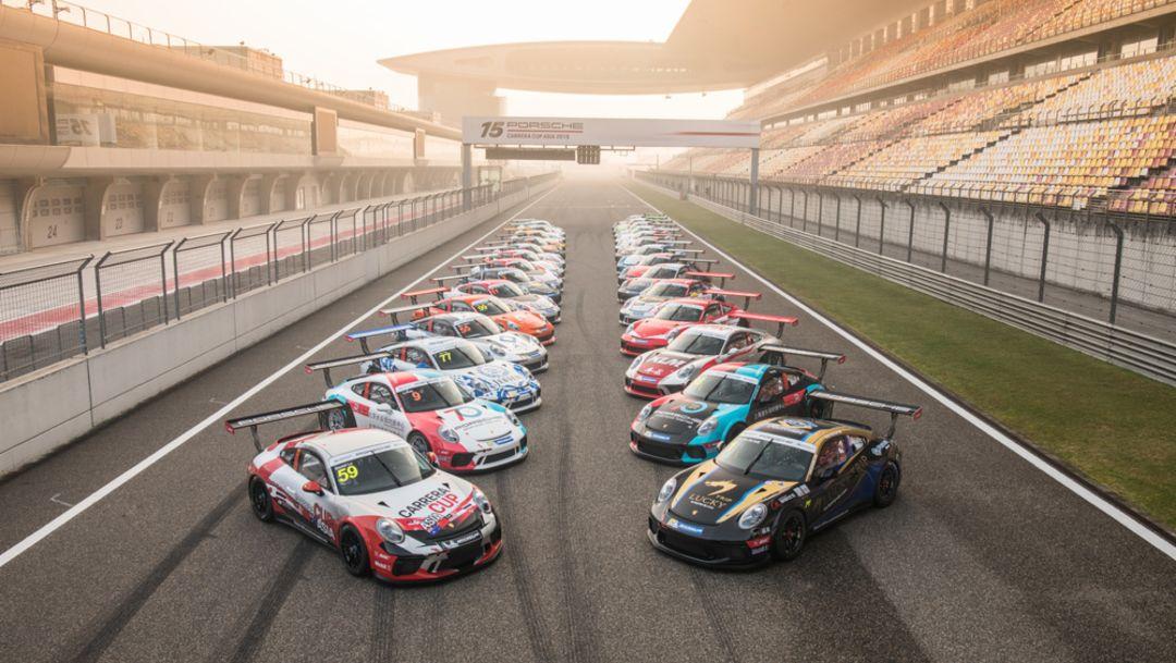 首次启用的新款保时捷 911 GT3 Cup 赛车在官方试车日多次刷新最快圈速